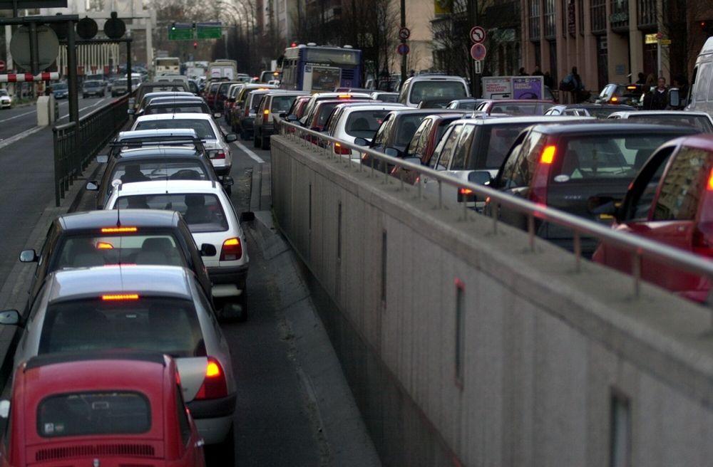 FORESLÅR ENDRINGER: EU-kommisjonen har anbefalt Norge en utfasing av engangsavgiften på nye biler.