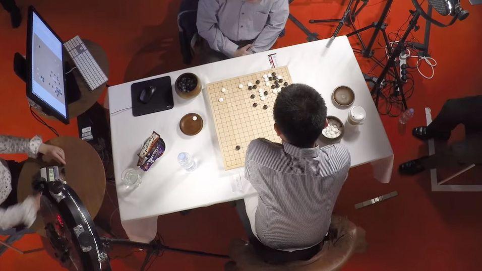 Historisk: Googles kunstige hjerne slo mester i avansert brettspill