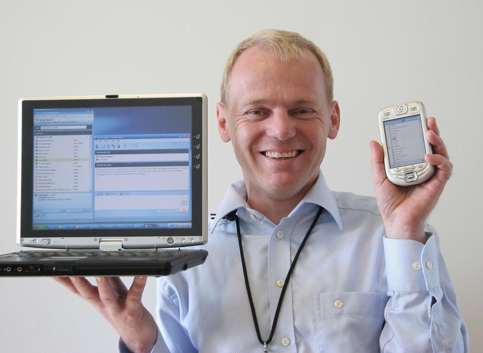 KOMMUNIKATOR:Direktør i Microsoft Norge, Brynjar Skauvik er overbevist om at bruken av øyeblikksmeldinger og PC-baserte møter vil øke raskt i årene fremover.