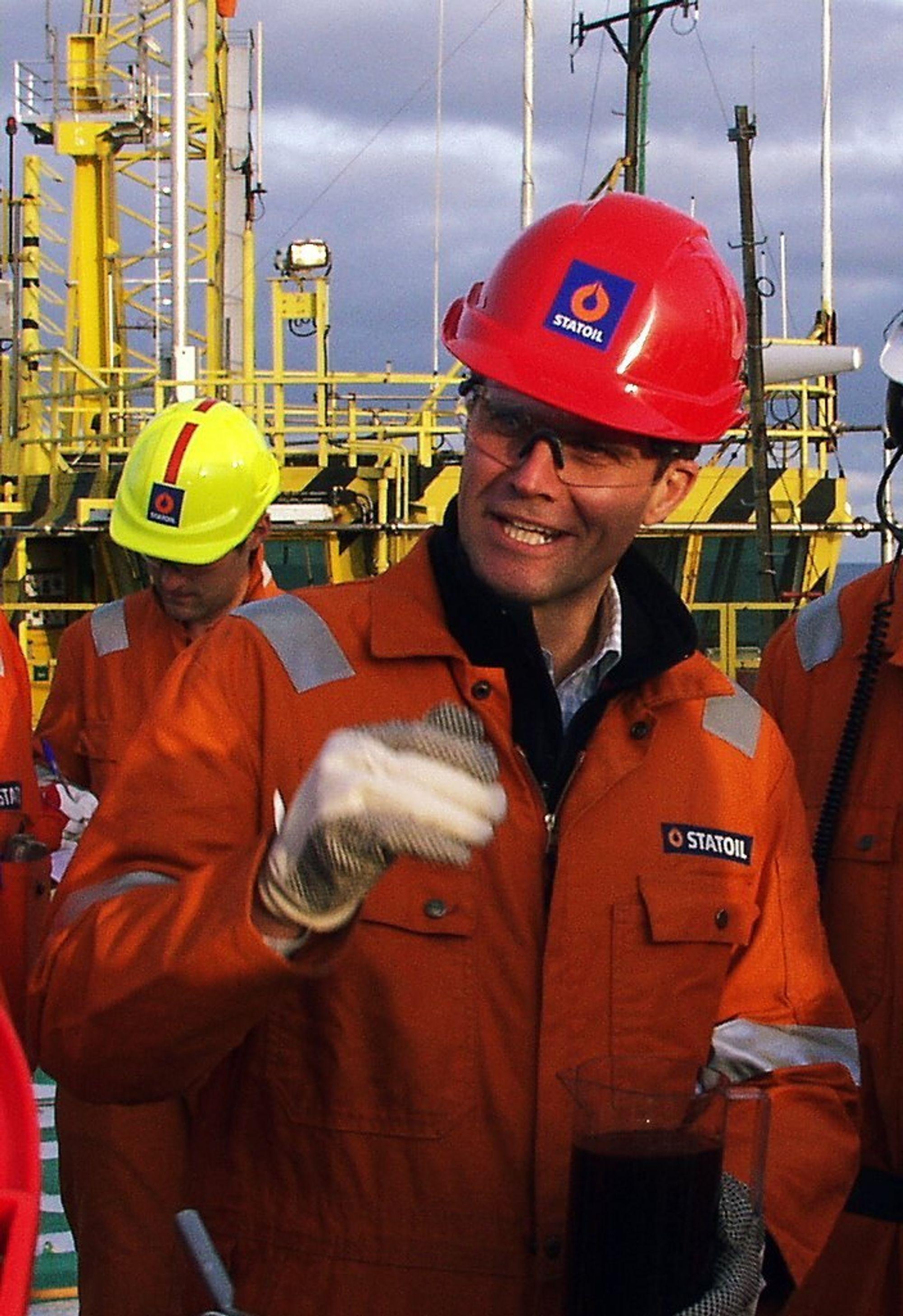 TILFREDS: Statoilsjef Helge Lund kan glise bredt over mer stadig mer olje både ute og hjemme.