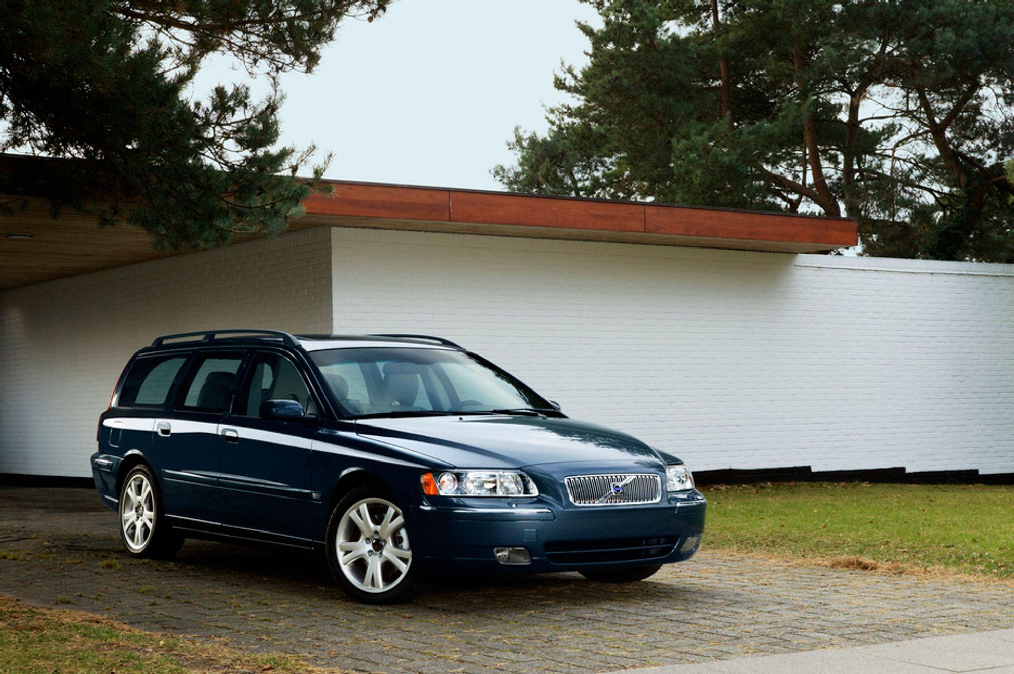 STERKERE: Også Volvo kaster seg på karusellen og tilbyr sterkere dieselmotorer med langt lavere utslipp. Du finner nyhetene bl.a. i denne bilen, en 2006-modell V70.