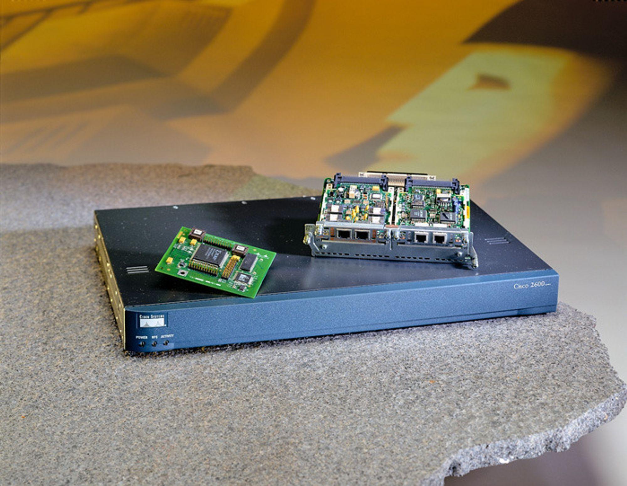 Telefonene  har endret seg siden Graham Bells tid. En av Ciscos nyeste modeller ser slik ut.