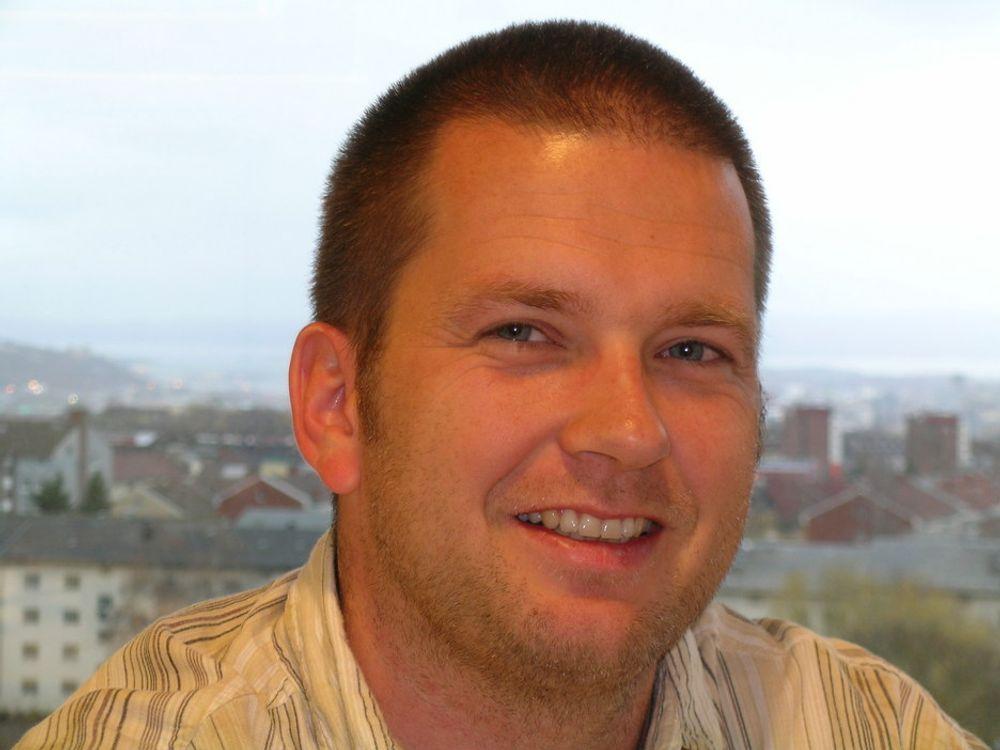 TRENGER KURS: ¿Mange har funnet Linux på nettet, men tør ikke helt  å innføre det på jobben, sier Yngve Sandal i Linpro.