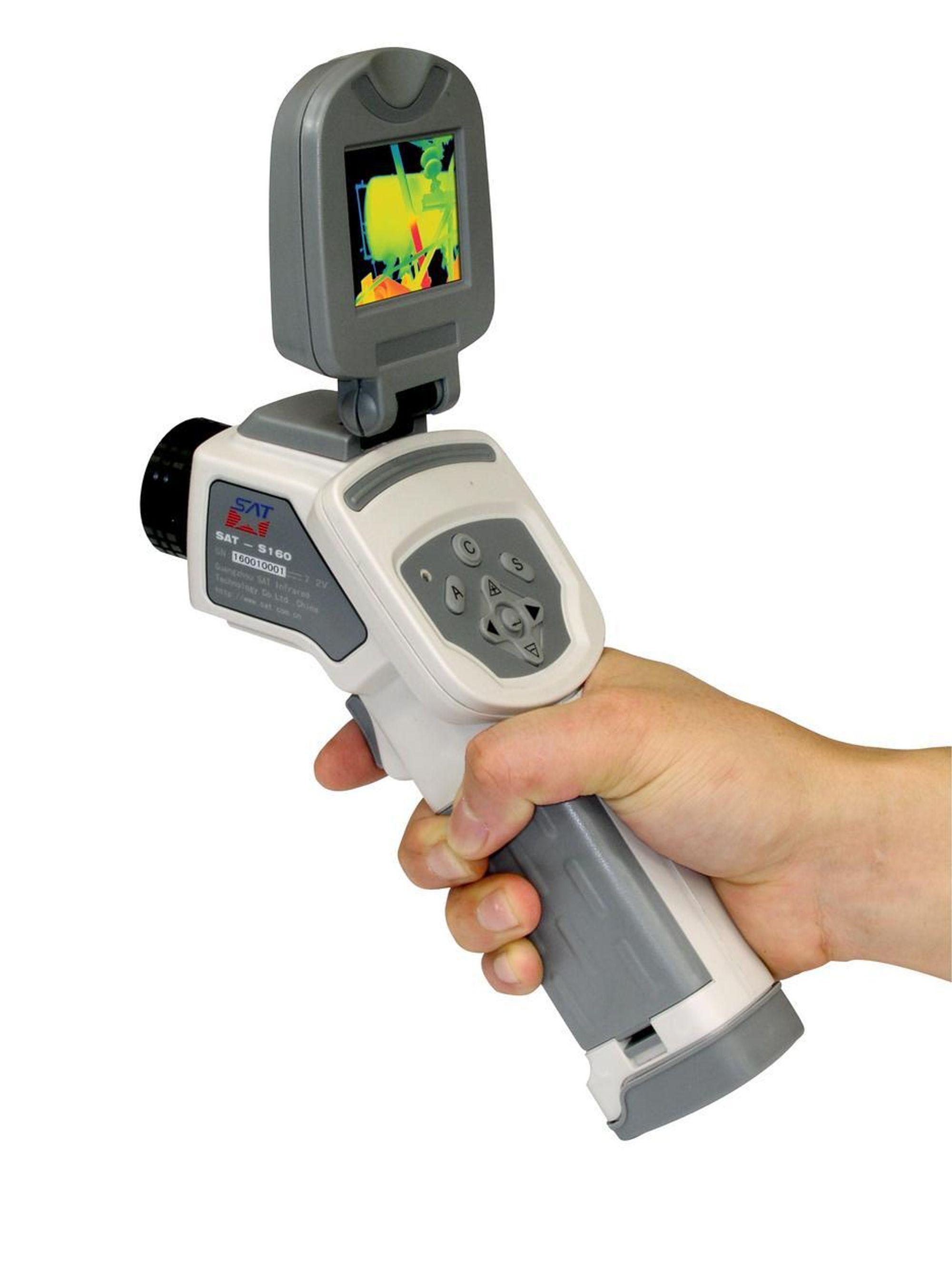 BEVEGELIG: Det nye termografikameraet har bevegelig display, slik at bildet er synlig uansett kameraets vinkel.