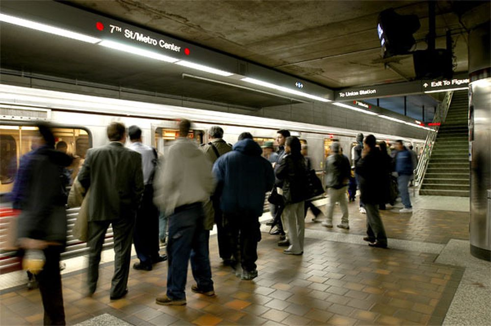 OVERVÅKES: 277 T-banestasjoner i New York skal installere nye og bedre kameraer for overvåking.
