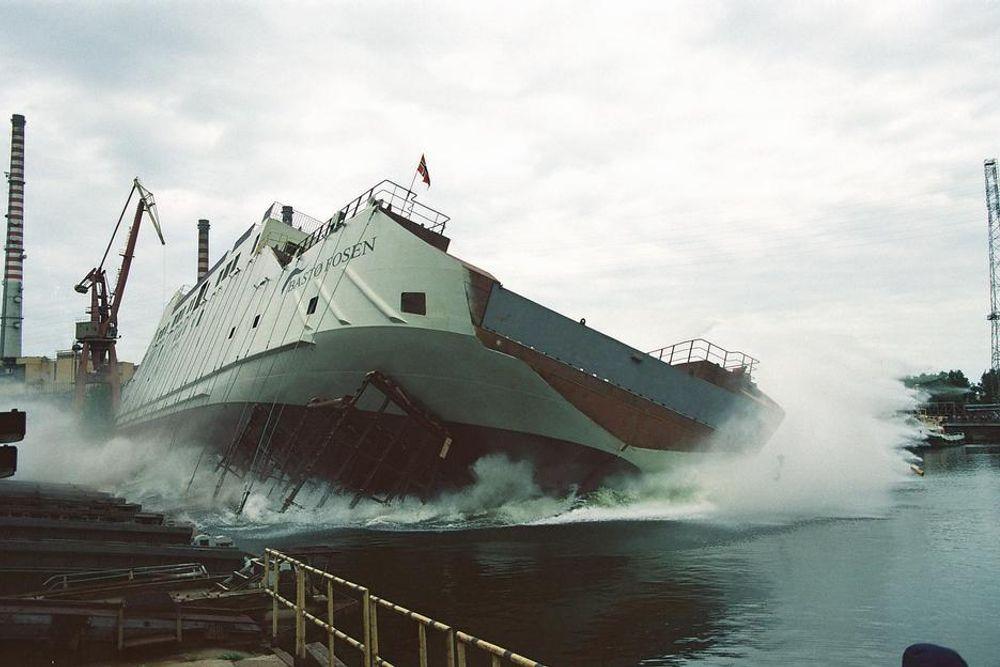 Ti år siden Bastø III ble sjøsatt fra Remantowa i Polen. Den vil fortsatt trafikkere Moss-Horten i den nye kontrakten fra 2016, men må moderniseres for å tilfredsstille internasjonale krav.