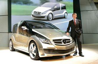 Thomas Weber under lansering av en konseptmodell med hydrogenbrenselceller i 2006.