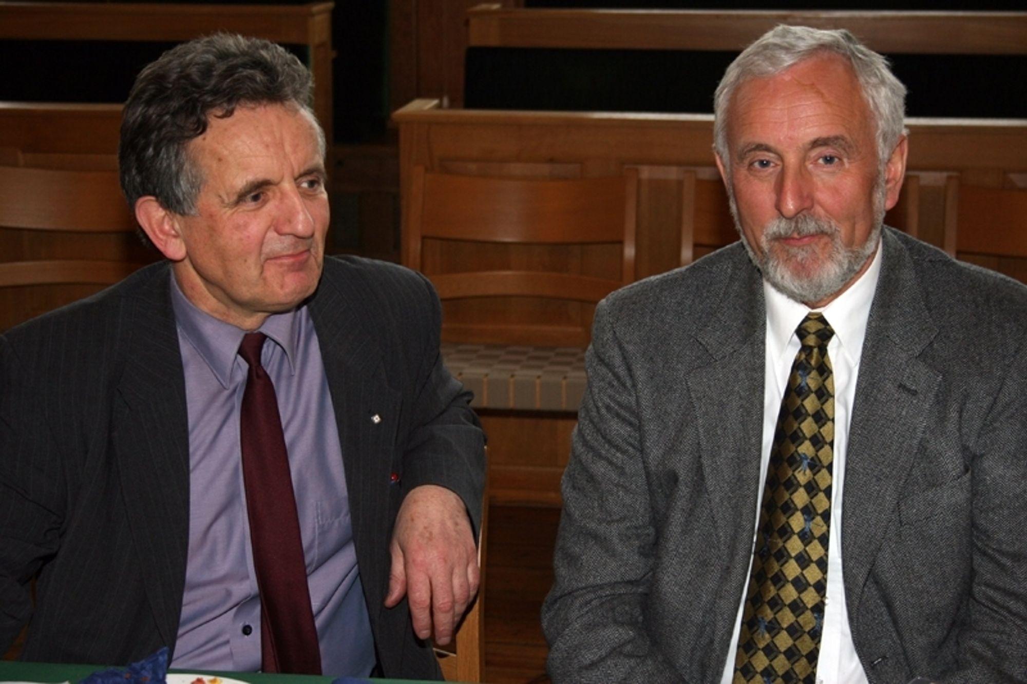 VIL SAMARBEIDE: Rektor Eivind Hiis Hauge og styreformann NTNU (t.v.), og Sintefs styreformann Jan Erik Korssjøen mener det er viktig å inngå en langsiktig, forpliktende allianse i møte med den internasjonale konkurransen.