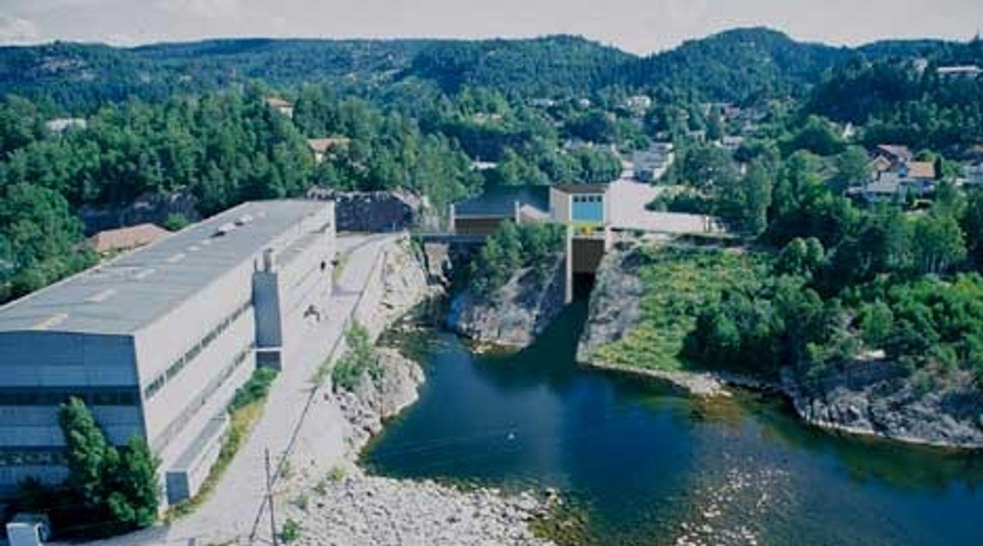 NYTT: Fotomontasje av nye Hunsfoss Øst kraftverk. Hunsfos fabrikker til venstre. ILL: AE NETTKONSULT.