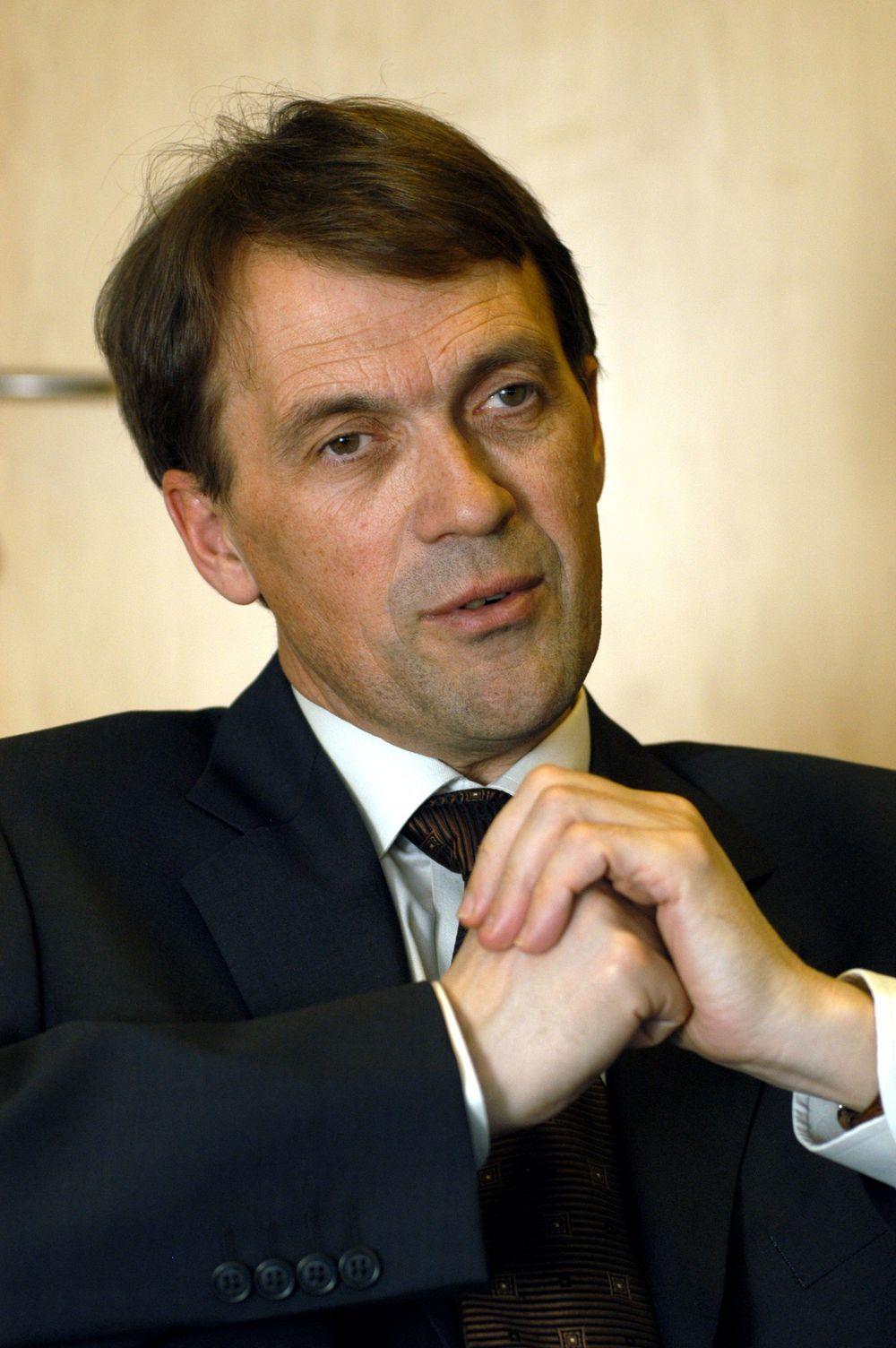 FORNØYD: Generaldirektør Eivind Reiten kan sammen med resten ledelsen i Norsk Hydro gni seg i hendene. Aldri før har inntektene vært så store.