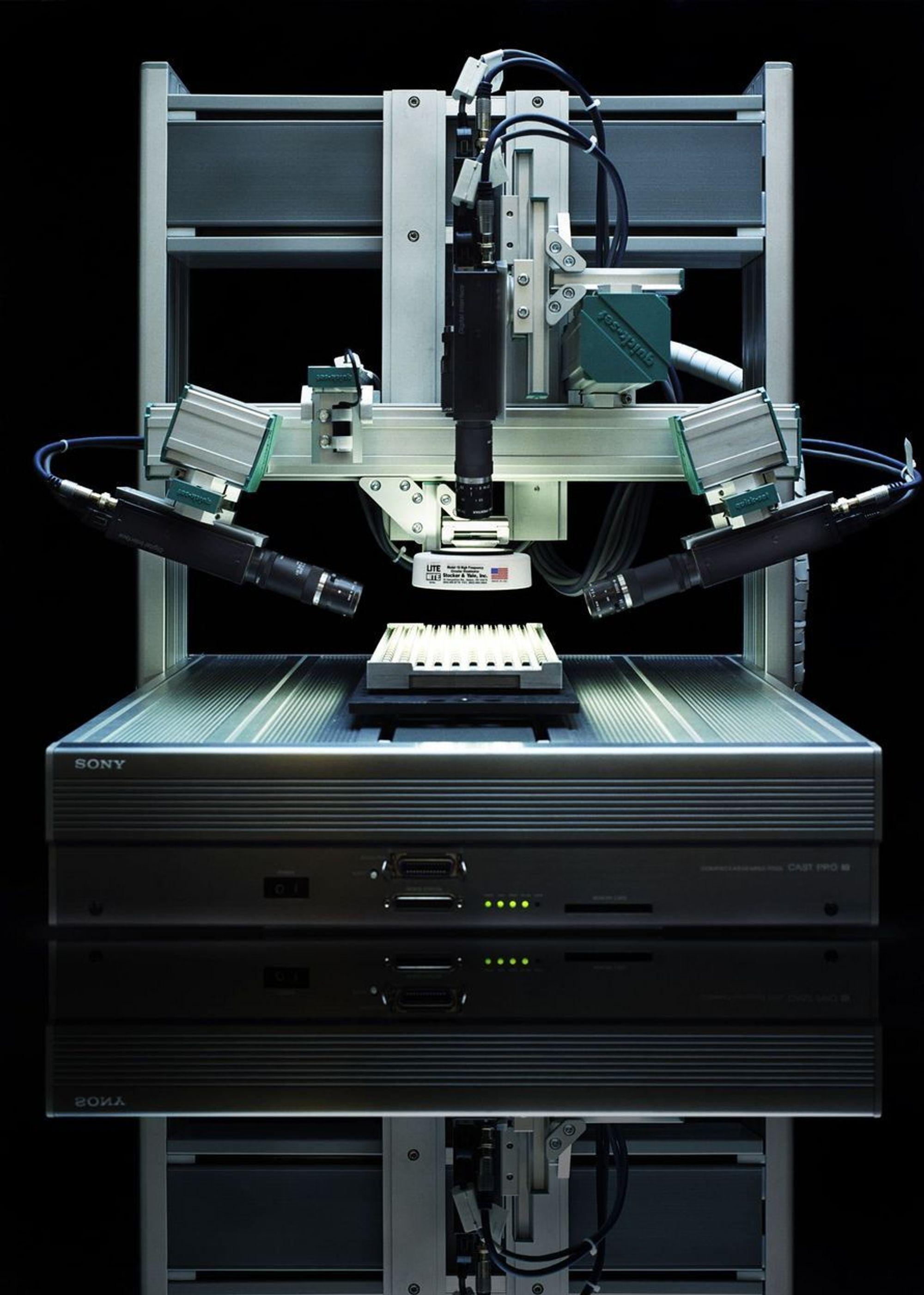 NORSK-JAPANSK: Norsk programvare fra Tordivel AS blir nå integrert i Sonys roboter. Kombinasjonen gir flere mulighet for robotinspeksjon i  produksjonssystemer.