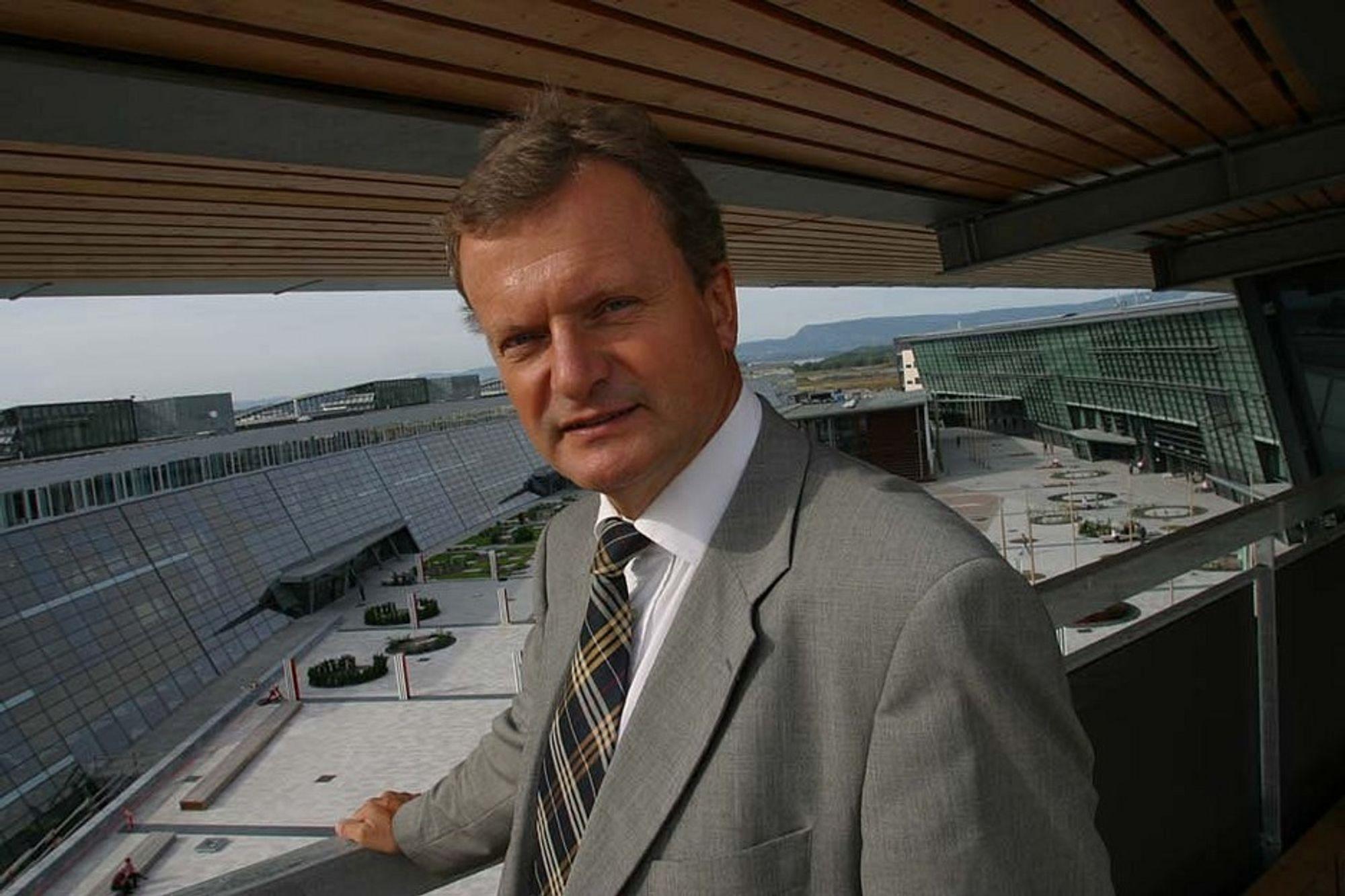 SPILLER: Telenor-sjef Fredrik Baksaas er med i det internasjonale telespillet som foregår på flere økonomiske, teknologiske og geofrafiske plan.