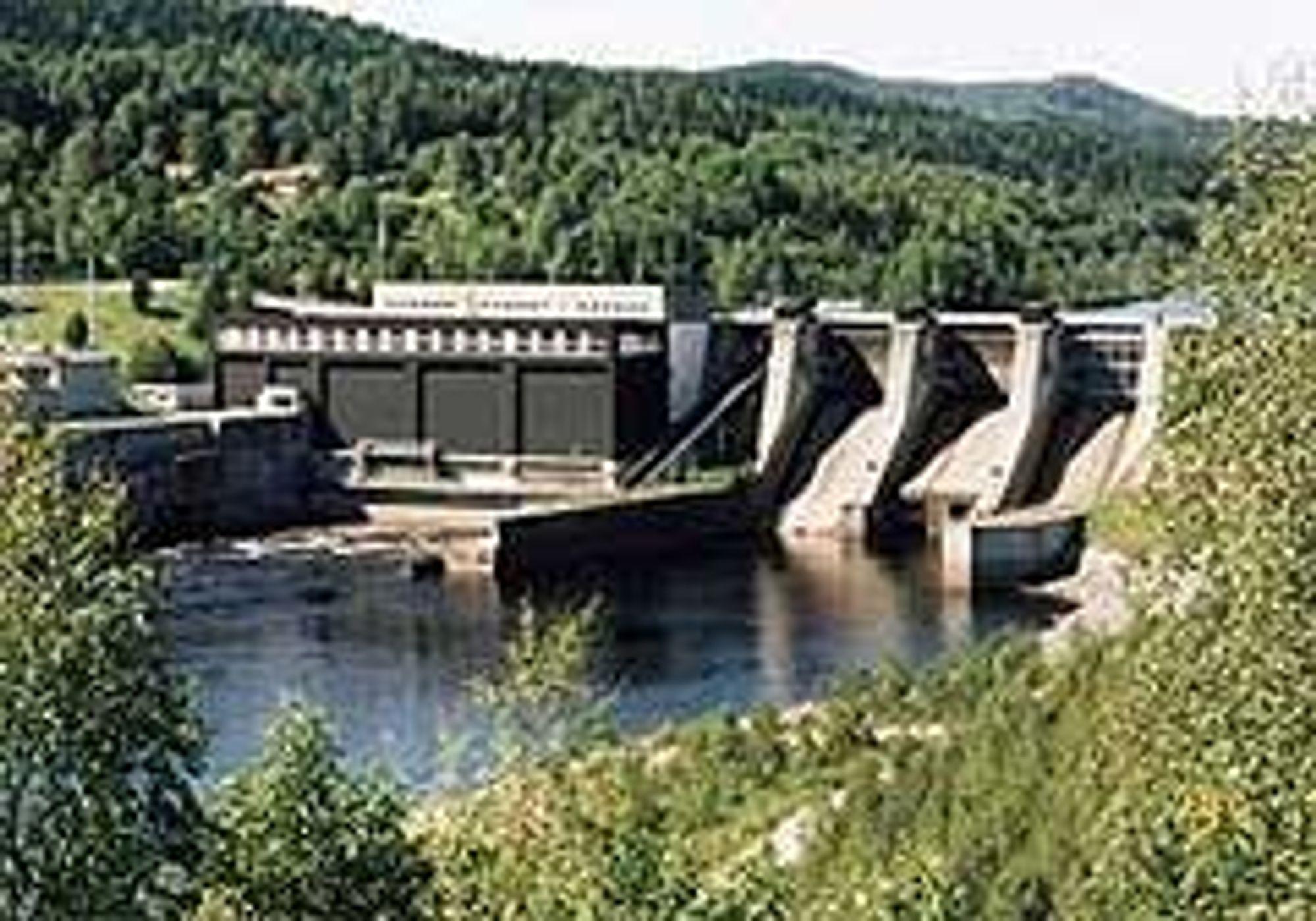 NORSK I SVERIGE: Moforsen kraftverk i Ångermanelven er et av kraftverkene som nå er i Statkrafts eie. Foto: Sydkraft
