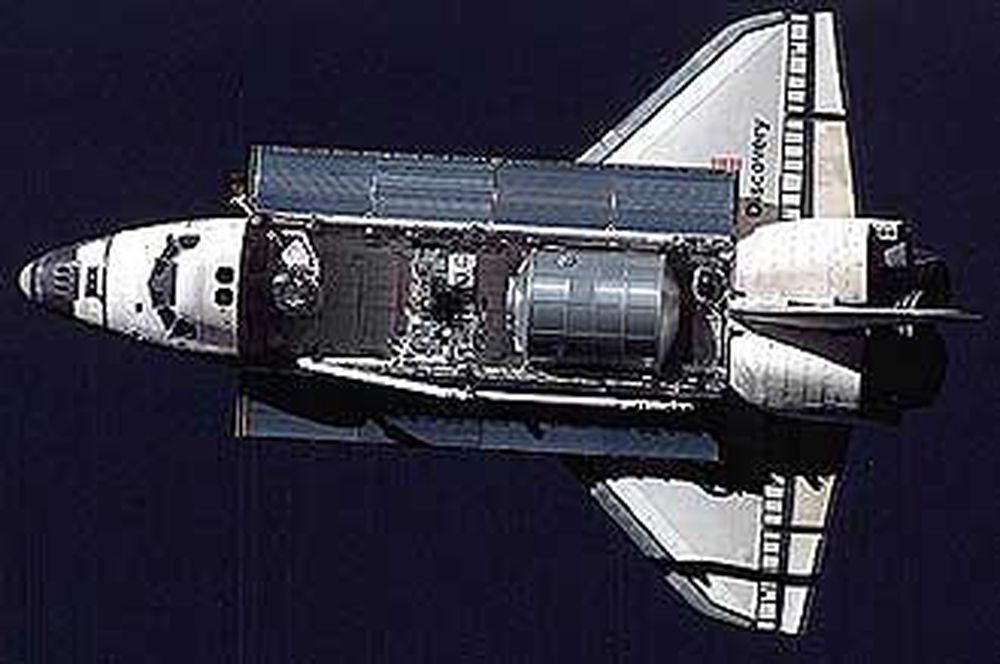Romferga Discovery med logistikkmodulen Raffaello på plass.