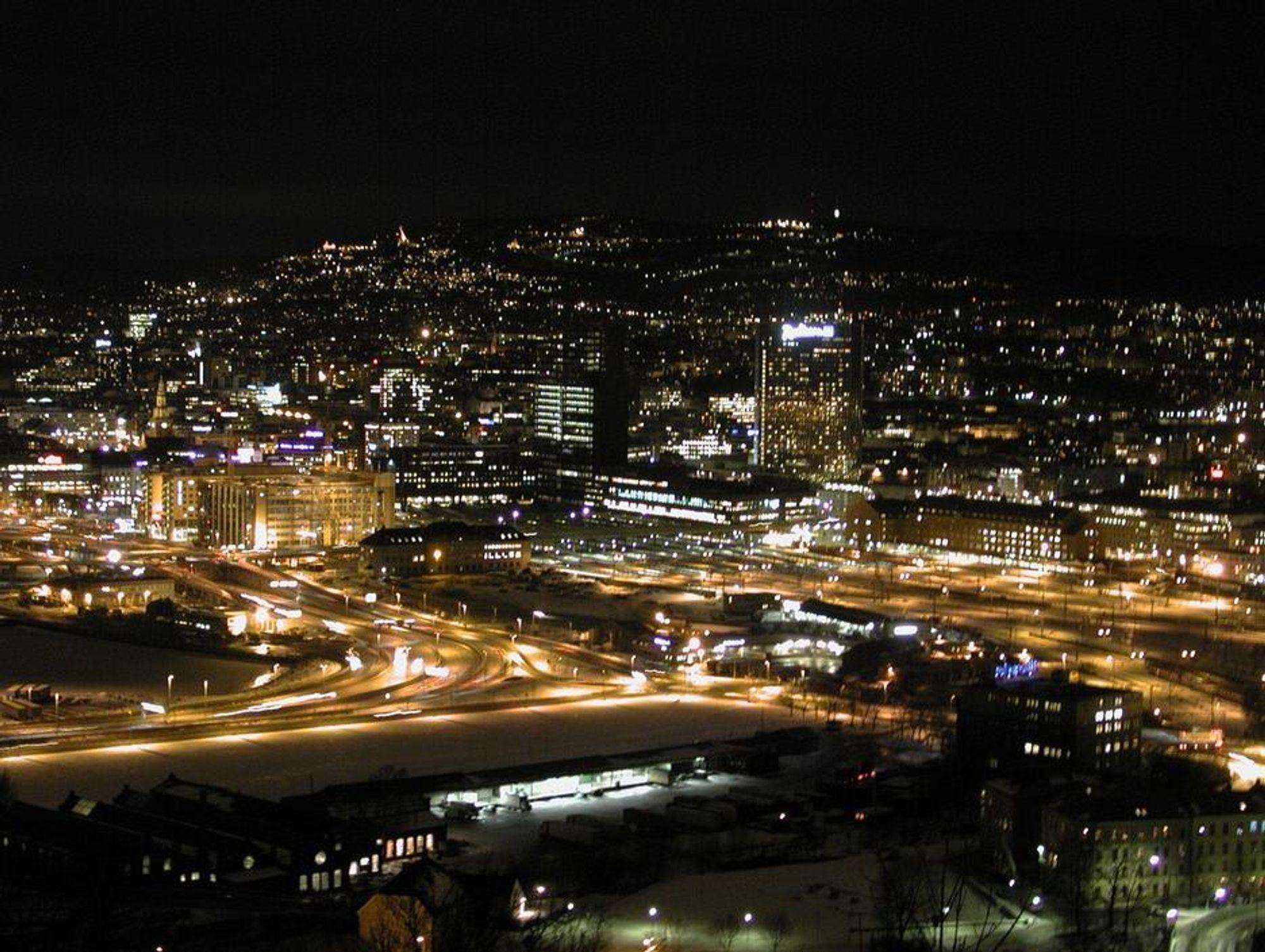 TOPPER RANKING: Norge er ifølge World Economic Forum best posisjonert til å tilpasse seg et nytt globalt energisystem. Her fra Oslo nattestid.