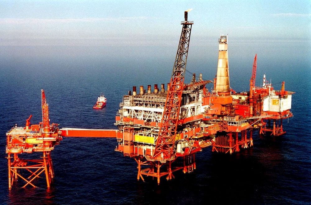 LANG LEVETID: BP har installert sanntids seismikk på Valhall-feltet for optimal utvinning av reservoaret. Utvinnbare reserver er mangedoblet siden starten. I dag er driften forlenget til minimum 2028. FOTO: BP