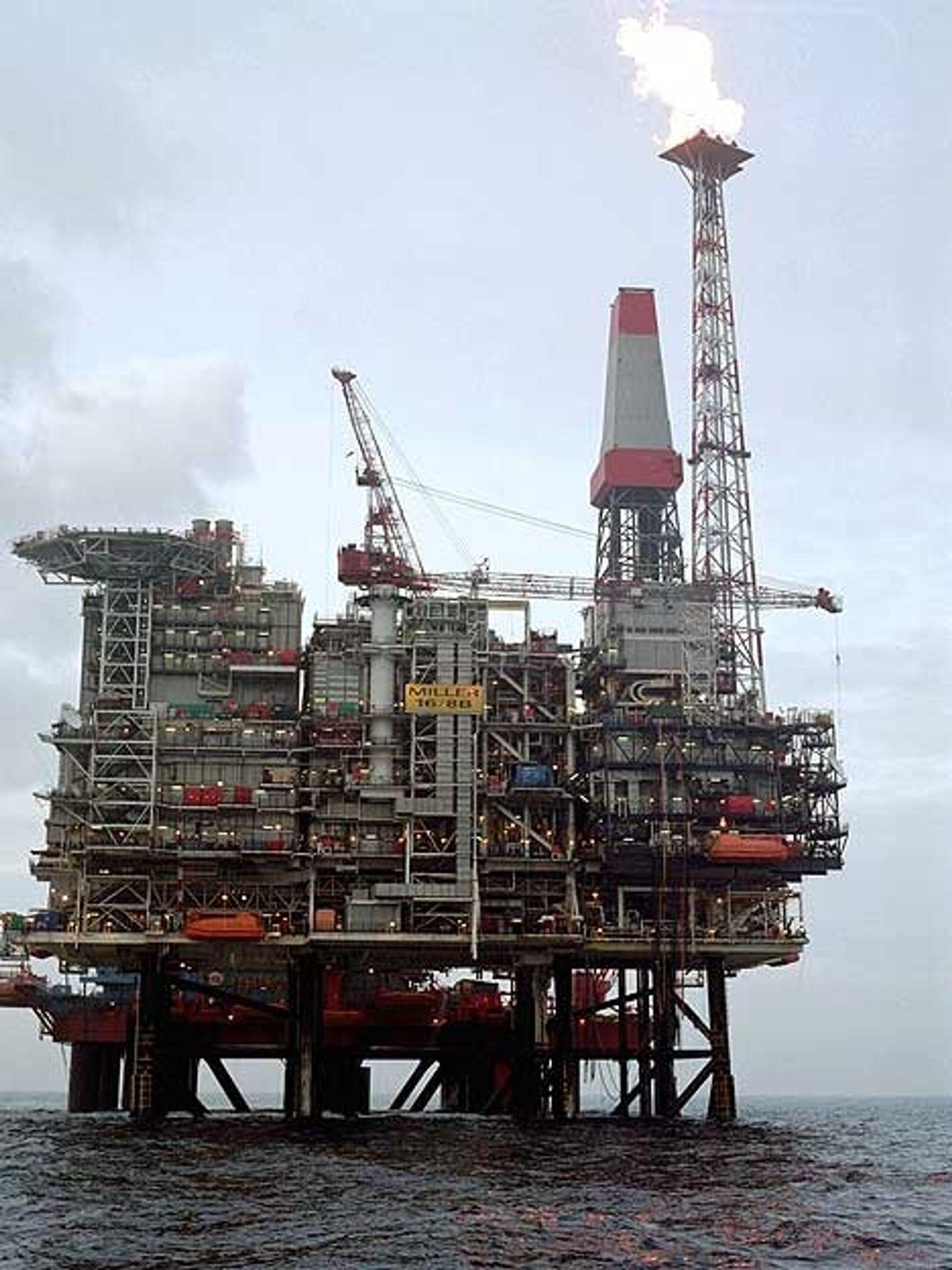 RETUR: Det er BP-plattformen på Millerfeltet som skal sørge for å kjøre millioner av kubikkmeter CO2 ned i reservoaret når produksjonen av metan til elektrisitet starter i Peterhead i 2009.