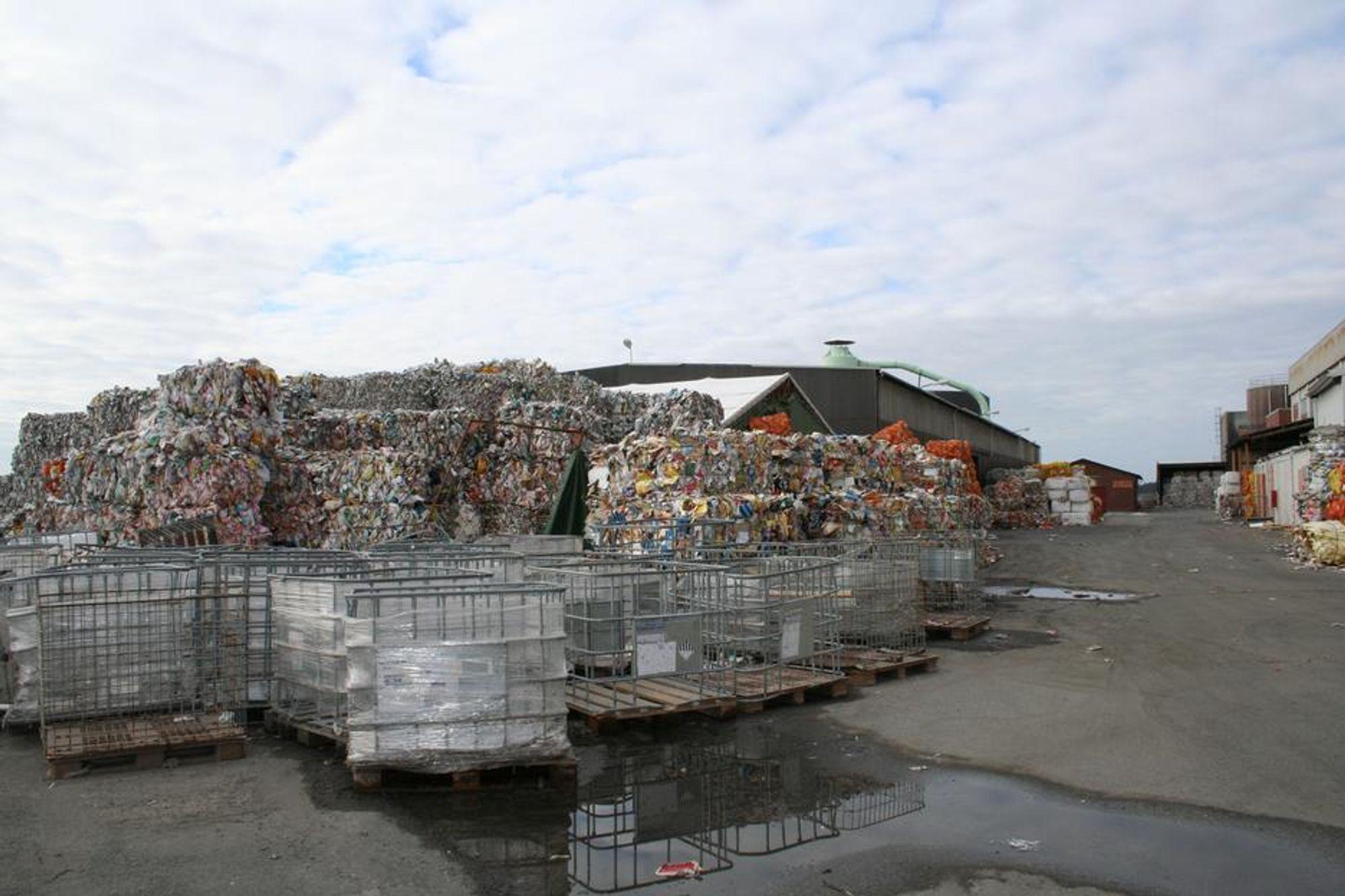 NYE EIERE: Hurum Fabriker gikk konkurs høsten 2002, men nye svenske eiere overtok etter et halvt år. Nå har papirfabrikken igjen fått nye eiere.