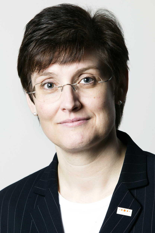 Flysikringsdirektør Anne Grette i Avinor har vært med og frontet omstillngsprosessen. Nå føler hun at jobben undergraves.