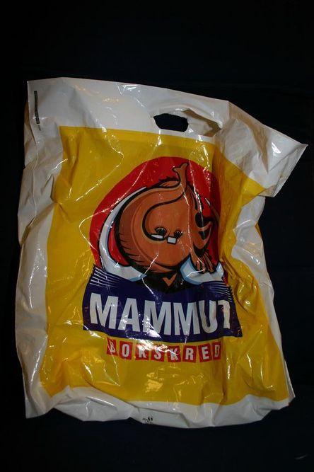 TORSDAG: Bok og CD på Mammut-salg.