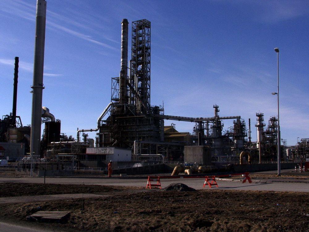 NVE har gitt Statoil klarsignal for å bygge kraftvarmverk basert på gass på Mongstad. SFT og regjeringen kommer imidlertid til å stille krav om CO2-rensing. Nå kan det vise seg å være gunstig.