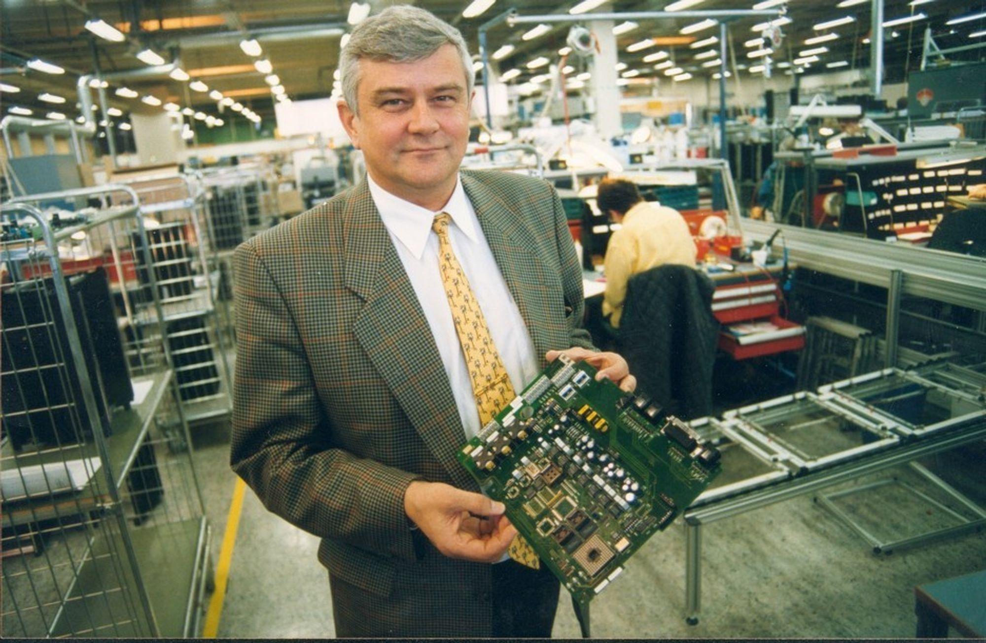 DEN GANG DA: Per Sølvberg i Kilsund-fabrikken i 1997. Han var den gang produksjonssjef, og strategien var vekst gjennom oppkjøp. Sølvberg har siden vært med på  etableringen Litauen.