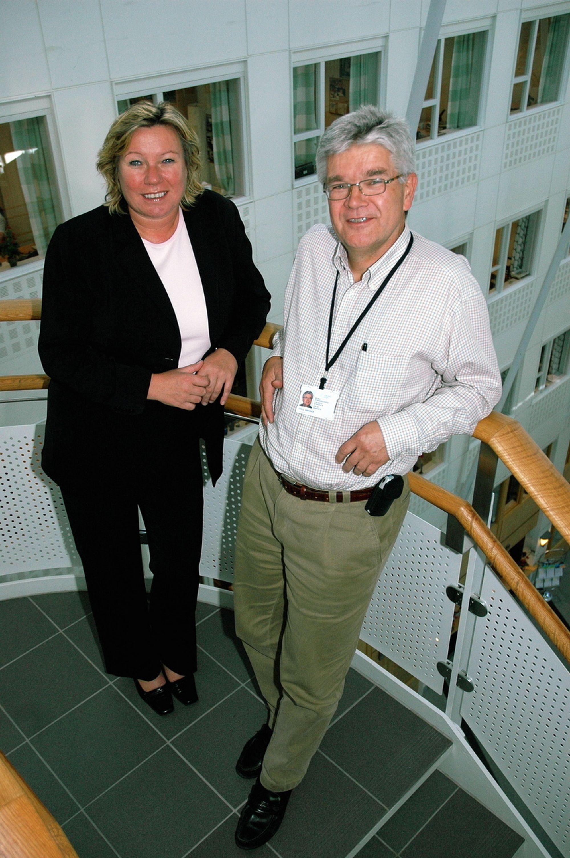 BRUK STANDARDER: Trine Tveter og Jan G. Eriksson i Standard Norge oppfordrer til å bruke anerkjente standarder. Det gir konkuransefortrinn mener de.