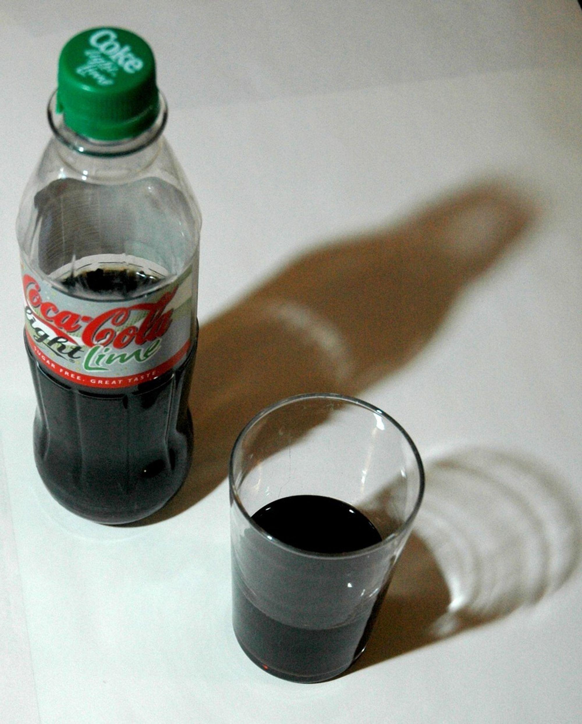 IKKE FOR KVINNER OG BARN: Lettprodukter tilsatt det kunstige søtningsmiddelet aspartam, medfører økt risiko for kreft hos kvinner og barn, viser en italiensk underøkelse.