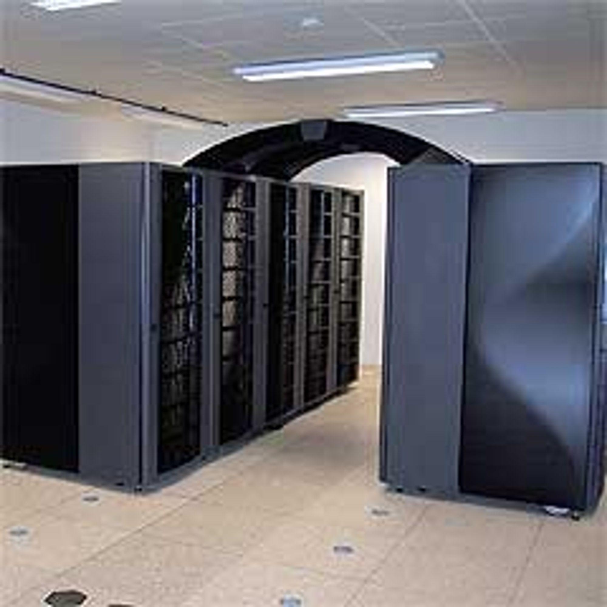 Da de ble installert, kom Notur inn på topp 500 over verdens kraftigste dataanlegg. Fra 1. mars 2006 kan de igjen befinne seg der. Foto: NTNU