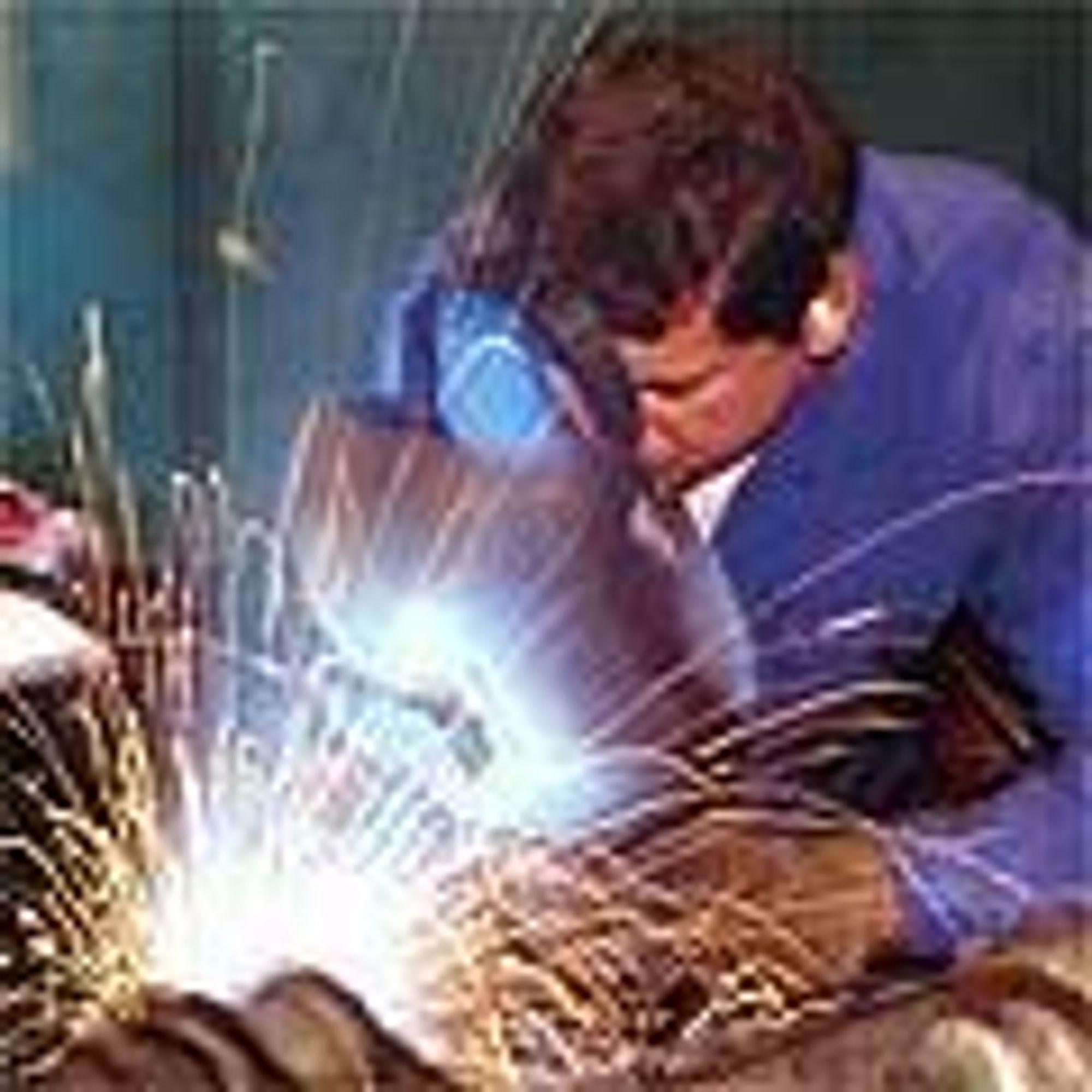 Eksportindustrien kan glede seg over framgang i 2003. Spesielt prosessindustrien så lys i tunnelen.