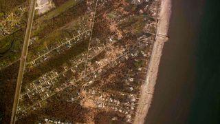 Katrina-herjinger: Flere satellittbilder