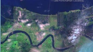 Satellittbilder av Katrina-herjing