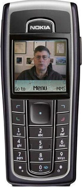 I ALLE KANALER: Førsteamanuensis II Per R. Stokke og de andre foreleserne på kurset er tilgjengelig i alle kanaler, også på PDA-en.FOTO: NTNU