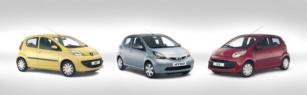 SAMMEN: De tre nye småtassene som fra våren '05 skal bygges i samme fabrikk i Tsjekkia er en Peugeot, en Citroën og en Toyota. FOTO: TOYOTA