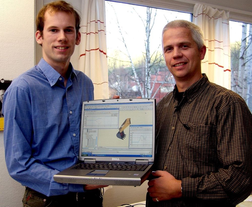 ENKELT: Simulatorprogrammet ITI Sim går på en PC. Det hele er basert på Windows med et grafisk grensesnitt hvor komponentene hentes i biblioteker. Geir Syvertsen og Rune Lien har Skandinavia som marked.