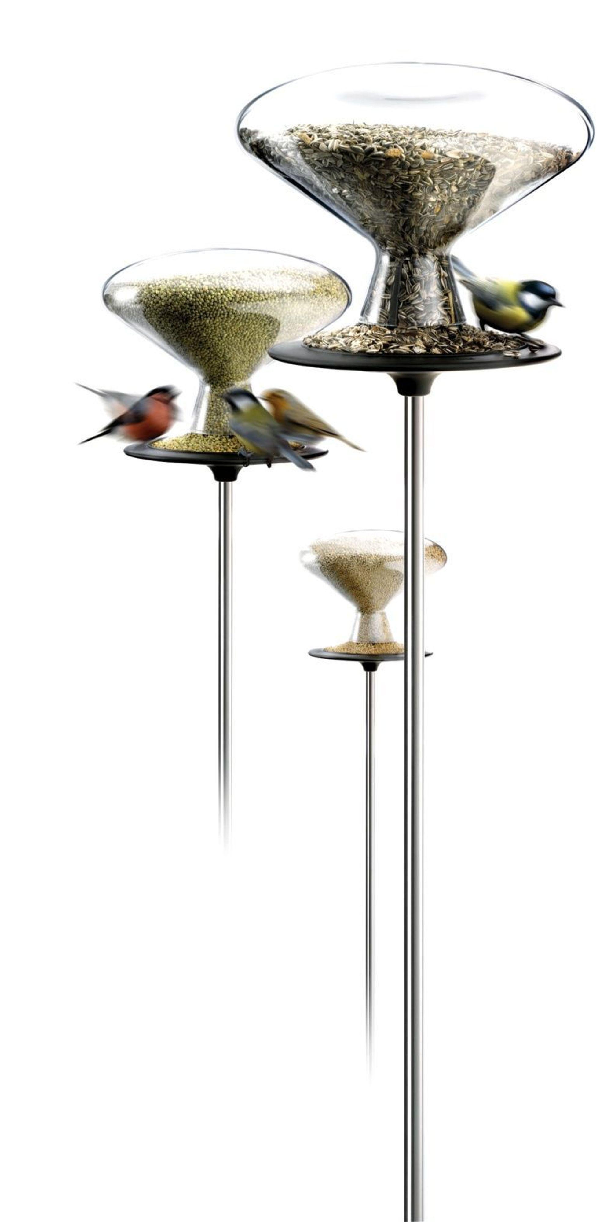 SØTT OG ELEGANT: Fortjener ikke søte småfugler litt eleganse når de spiser?