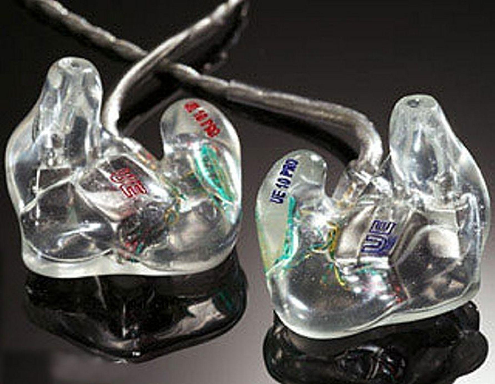 EKSKLUSIVT: Like dyrt i ørene som det som henger. Foto: Ultimate Ears