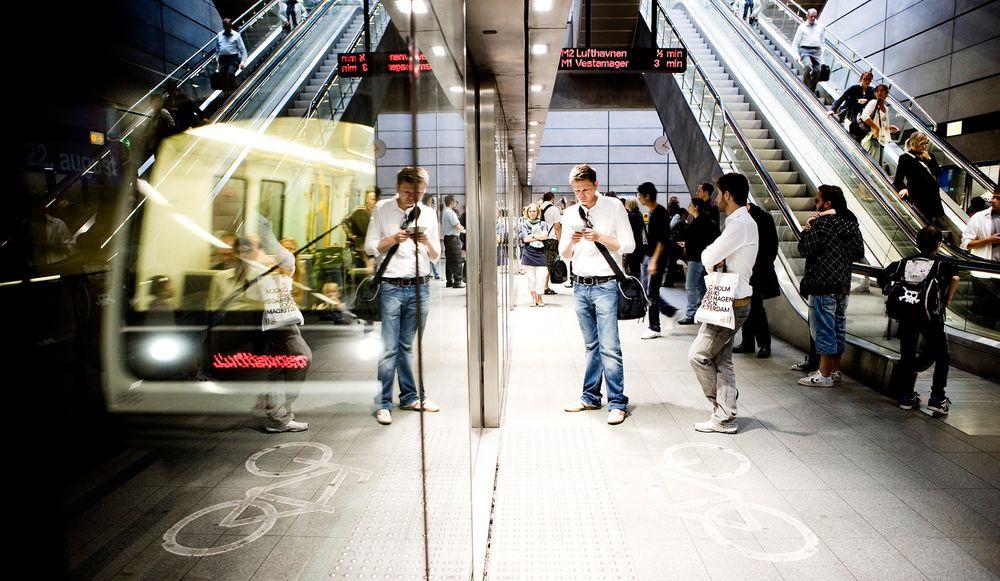 Metroselskapet i København vil ha perrongdører som dette i stedet for en åpen løsning med et automatisk sensorsystem. Foto: Petter Sørensen, Metroselskapet