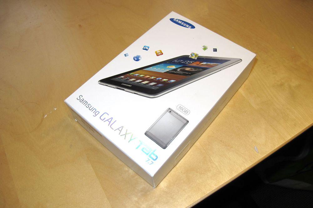 Unboxing: Samsung Galaxy Tab 7.7