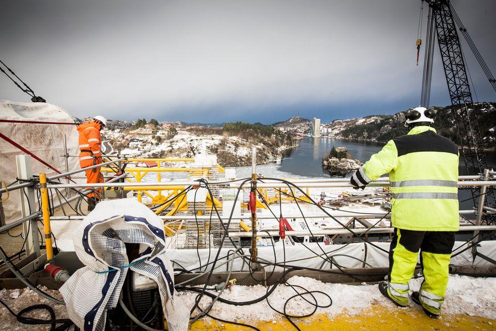 I dag kom meldingen om at 1500 innleide stillinger ryker hos Aker Solutions i Egersund (bildet). Flere tusen stillinger har forsvunnet fra oljeservice de siste ukene, noe Norsk olje og gass mener er en ventet justering.