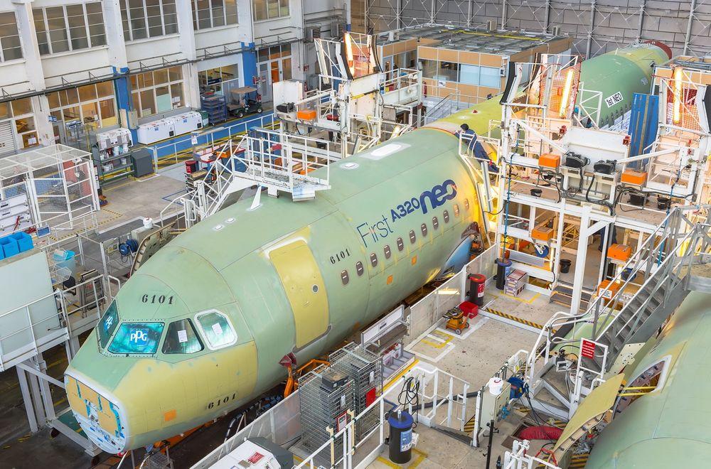 Sluttmontasjen på det første A320 Neo-flyet startet hos Airbus i Blagnac sist mandag.