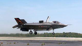 F-35 tar av vertikalt