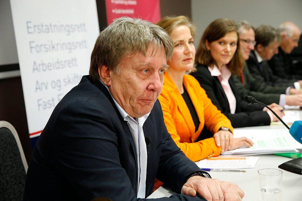 Henning Haug, leder av Offshore Dykker Unionen, holder sin innledning etter offentligjøringen av dommen fra menneskerettsdomstolen i Strasbourg (EMD) som omhandler saken syv pionerdykkere har reist mot den norske stat, sammen med Industri Energi og Offshore Dykker Unionen.