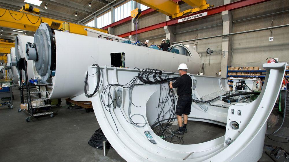 Siemens 3,6 MW store vindturbiner har girkasser som veier 35 tonn. Nye direktedrevne vindturbiner vil ha langt lavere vedlikeholdsbehov.