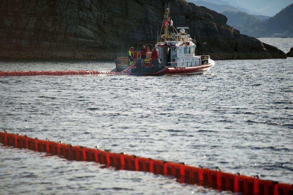 Oljeindustrien og kommunene i Vest-Finnmark er enige om at personell, utstyr og fartøy fra regionen kan brukes ved oljevernaksjoner.