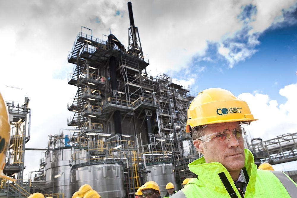Ulønnsomt: Statoil-sjef Helge Lund sliter med å få til lønnsom drift ved Mongstad-raffineriet.