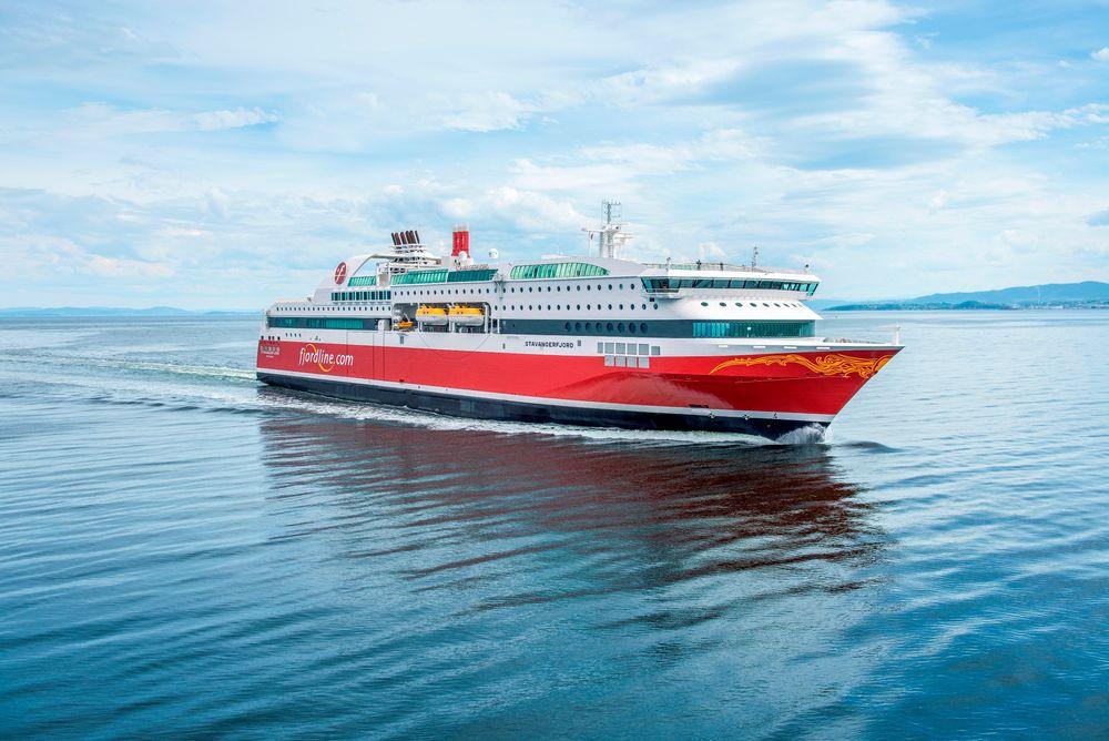 """MS """"Stavangerfjord"""" bruker mye lenger tid å bunkre i Norge enn i Danmark."""