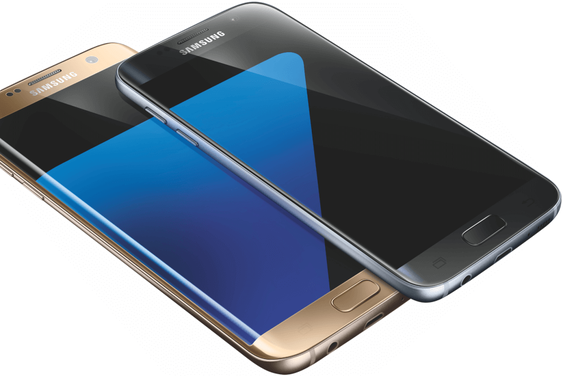 Designet er fortsatt svært lekkert, men sidene har ikke lenger den karakteristiske innsenkningen som før. Det gjør at S7 i bunn og grunn ligner mer på en iPhone 6S, rett og slett.