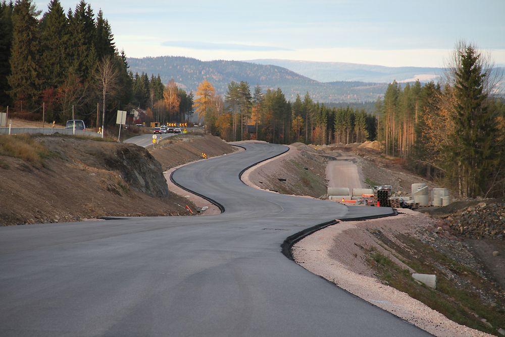 Med strengere krav til bygging og vedlikehold av vei kan vedlikeholdskostnadene til norske veier reduseres med opp til 17 milliarder over 20 år.