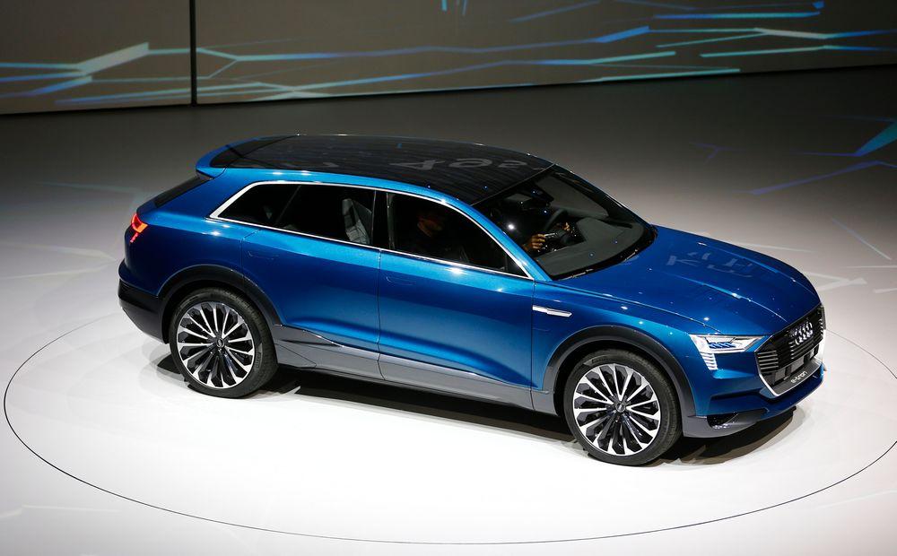 Audi ser for seg at hybridbiler bare er en mellomløsning frem til rene elbiler tar disse bilenes posisjon. .